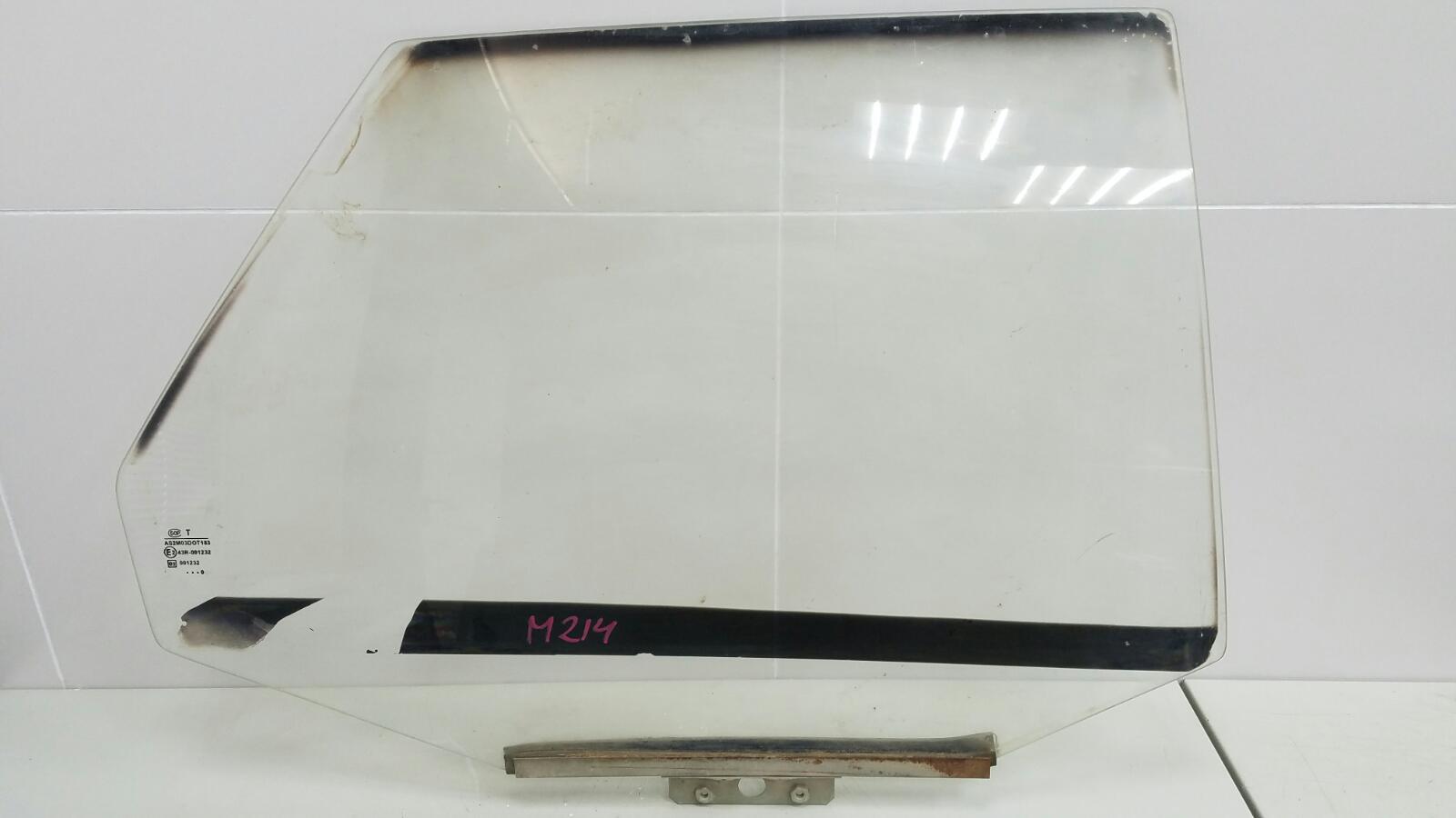 Стекло двери Ваз Лада 110 2110 2003 заднее правое