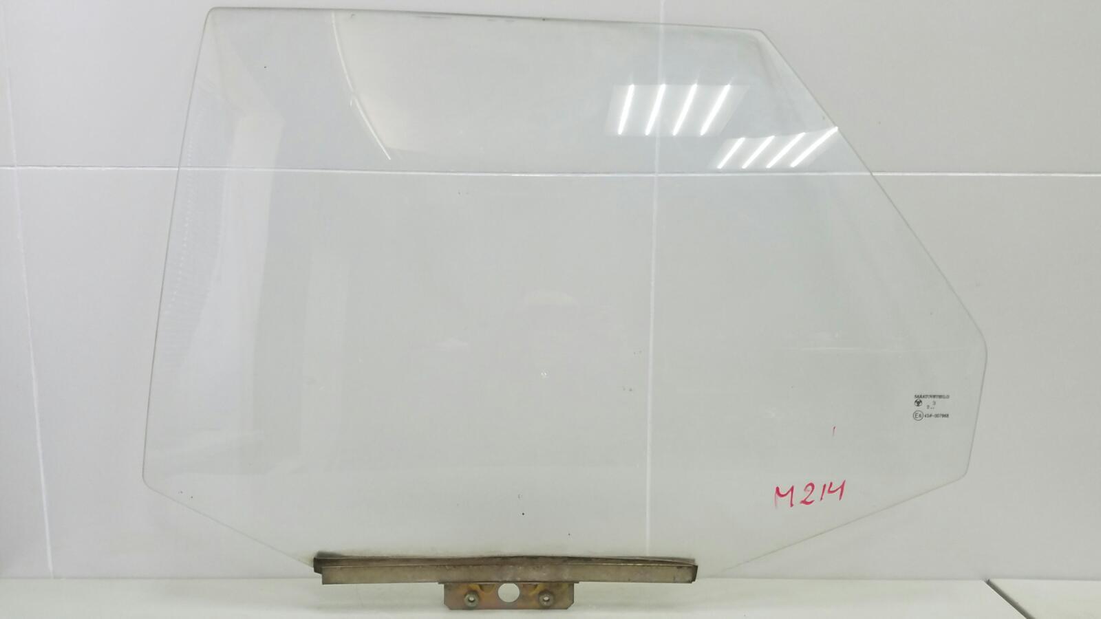 Стекло двери Ваз Лада 110 2110 2003 заднее левое