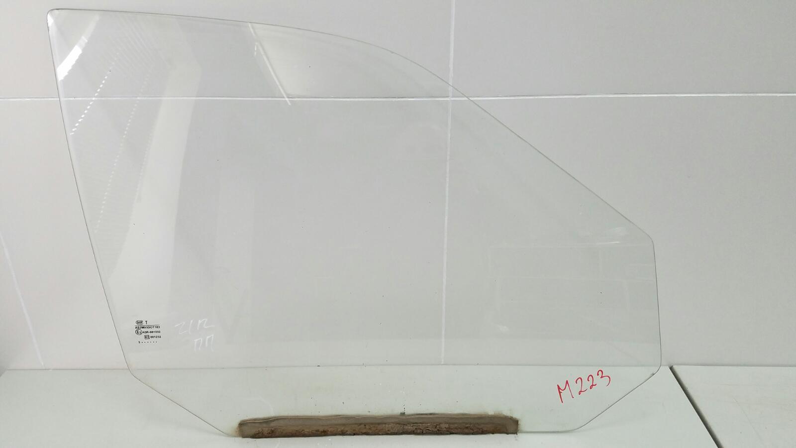 Стекло двери Ваз Лада 112 2112 2003 переднее правое