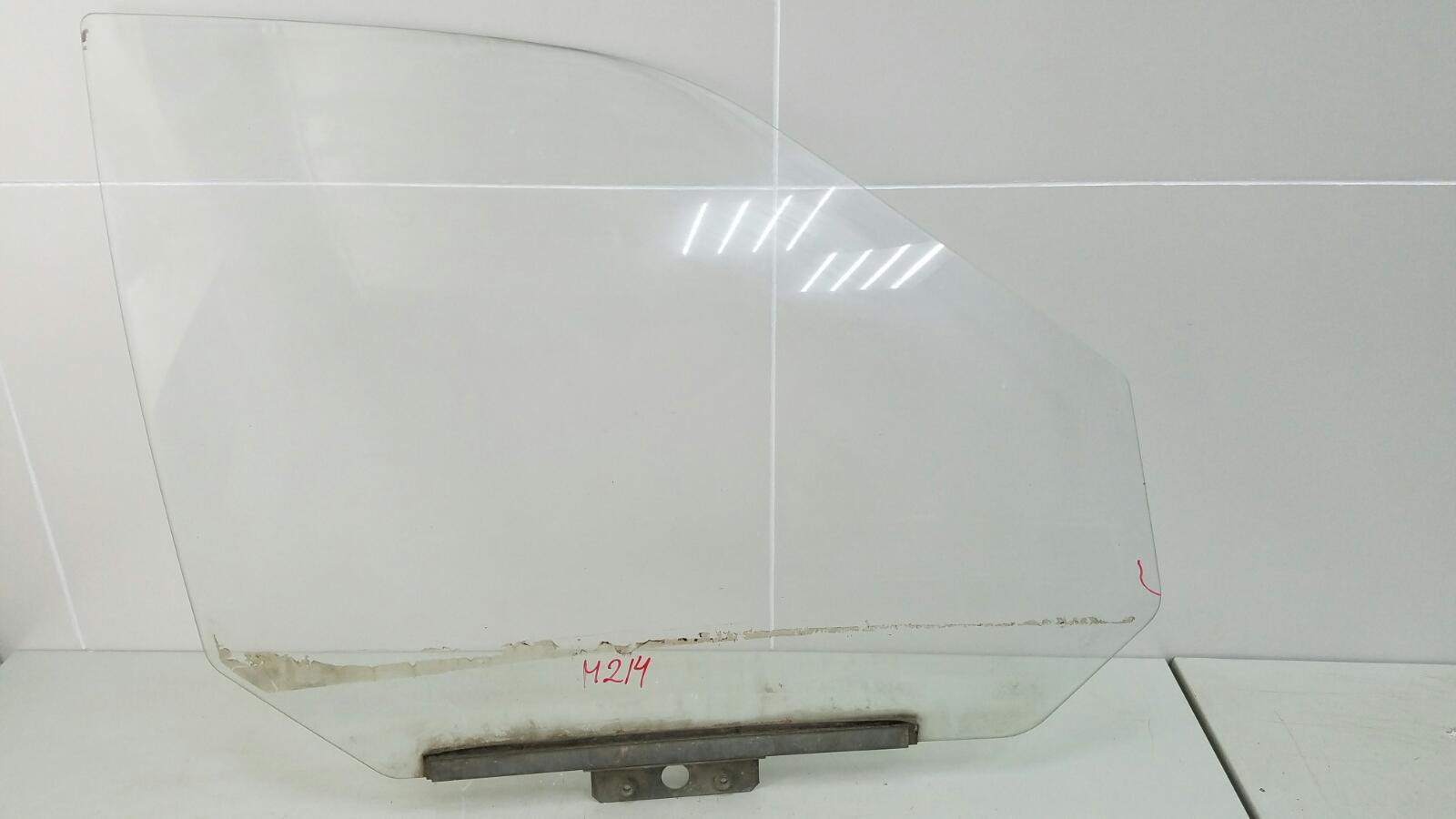 Стекло двери Ваз Лада 110 2110 2003 переднее правое