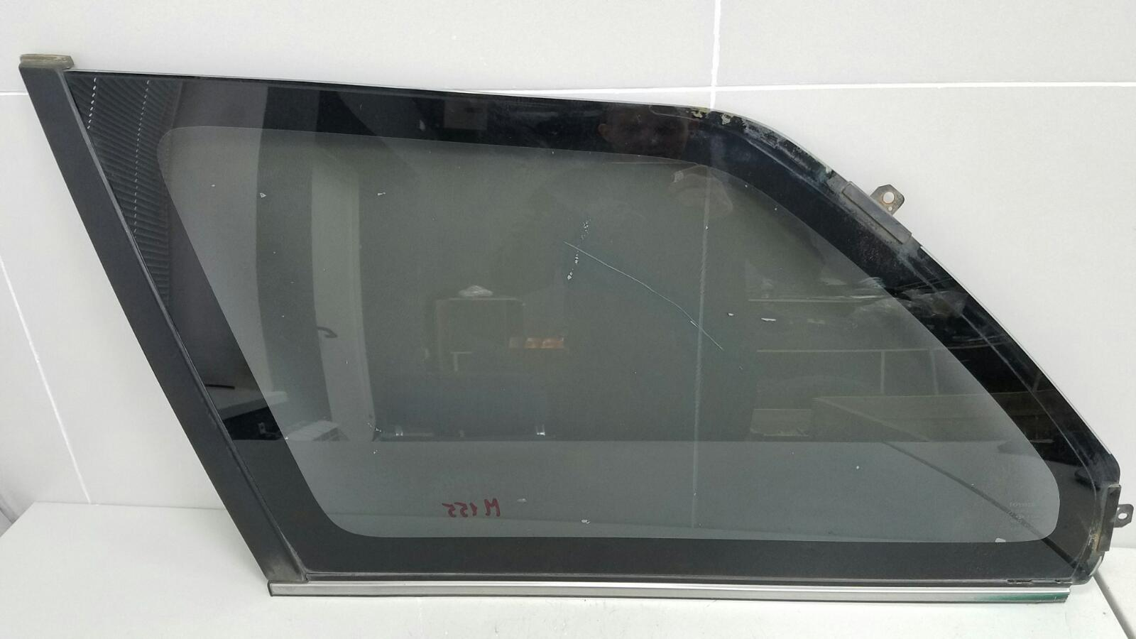 Стекло кузовное глухое Toyota Corolla AE100G 5A-FE 1996 заднее левое