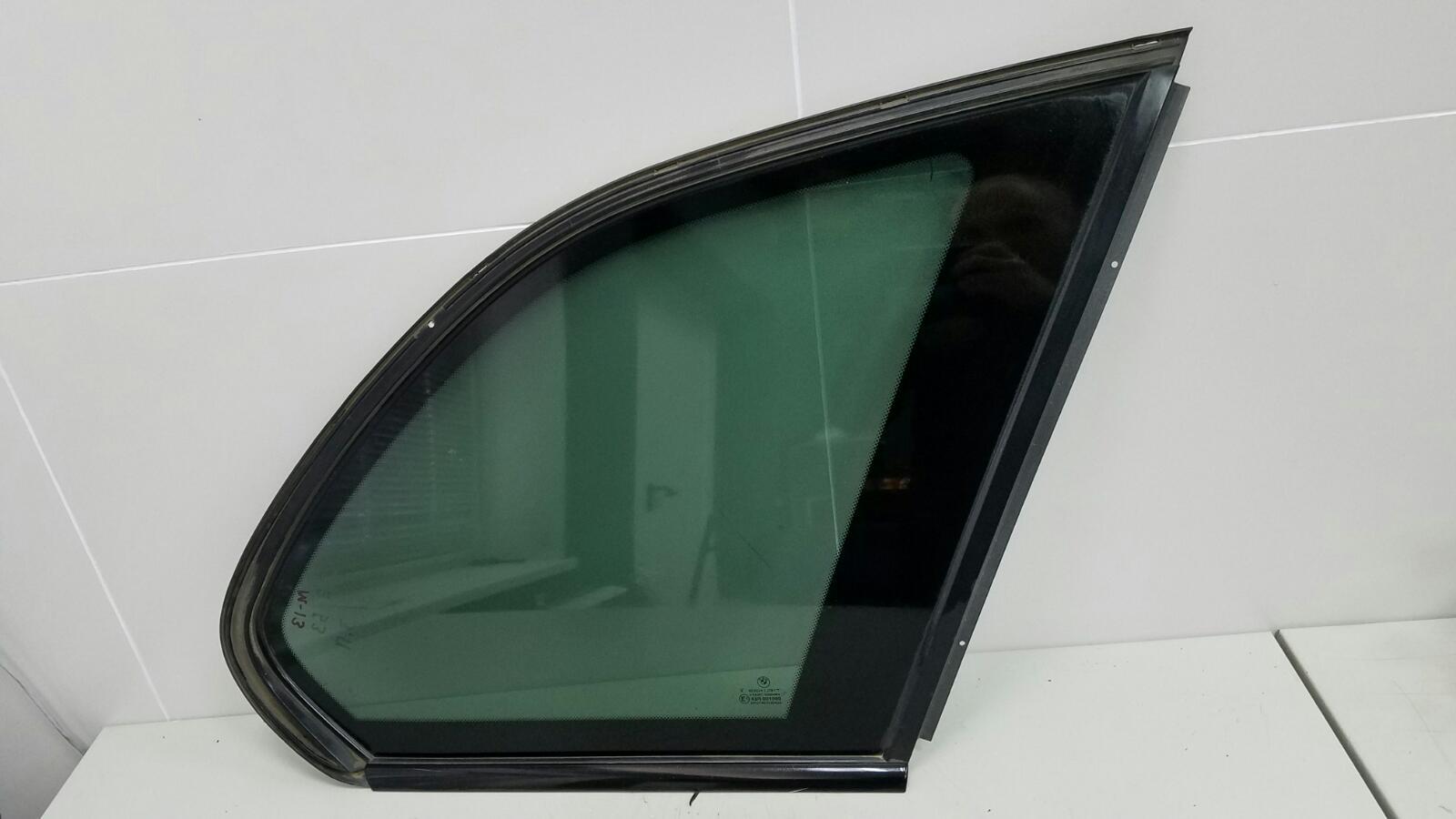 Стекло кузовное глухое Bmw X5 E53 M62 1999 заднее правое