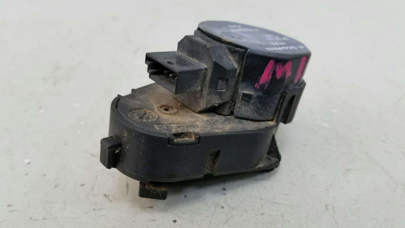 Моторчик заслонки печки Bmw X5 E53 M62 1999