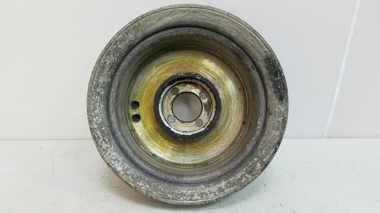 Шкив помпы гура насоса гидроусилителя Mercedes A190 W201 M102.961 2.0Л 1984