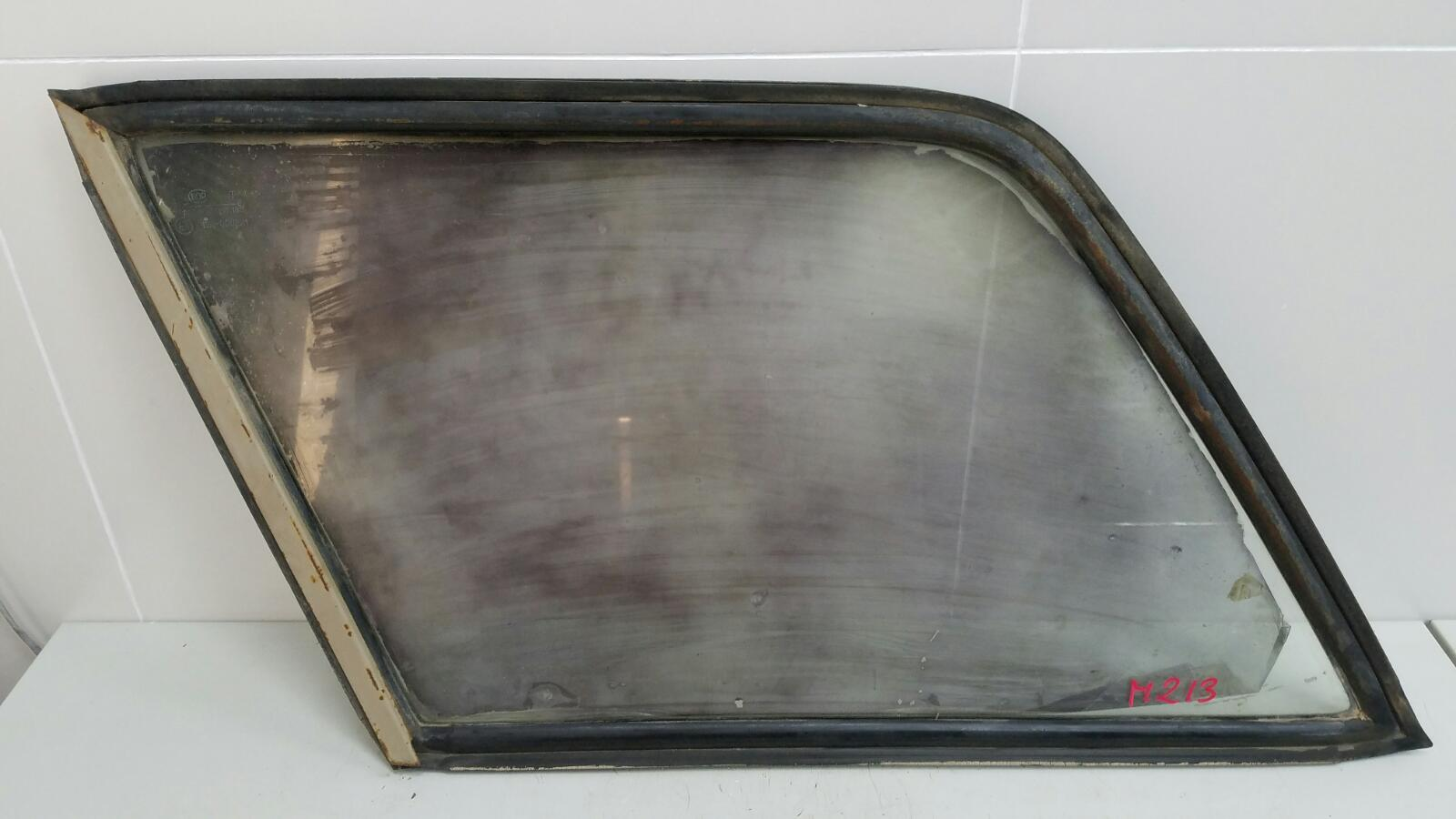 Стекло кузовное глухое Ваз Жигули 2104 1984 заднее левое