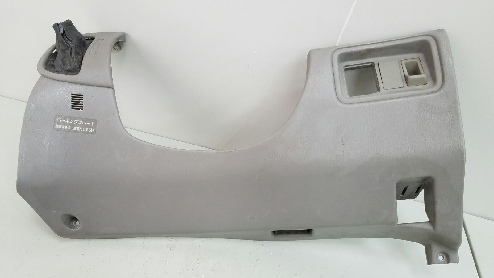 Накладка под торпеду Toyota Prius XW10 1NZ-FXE 1998г