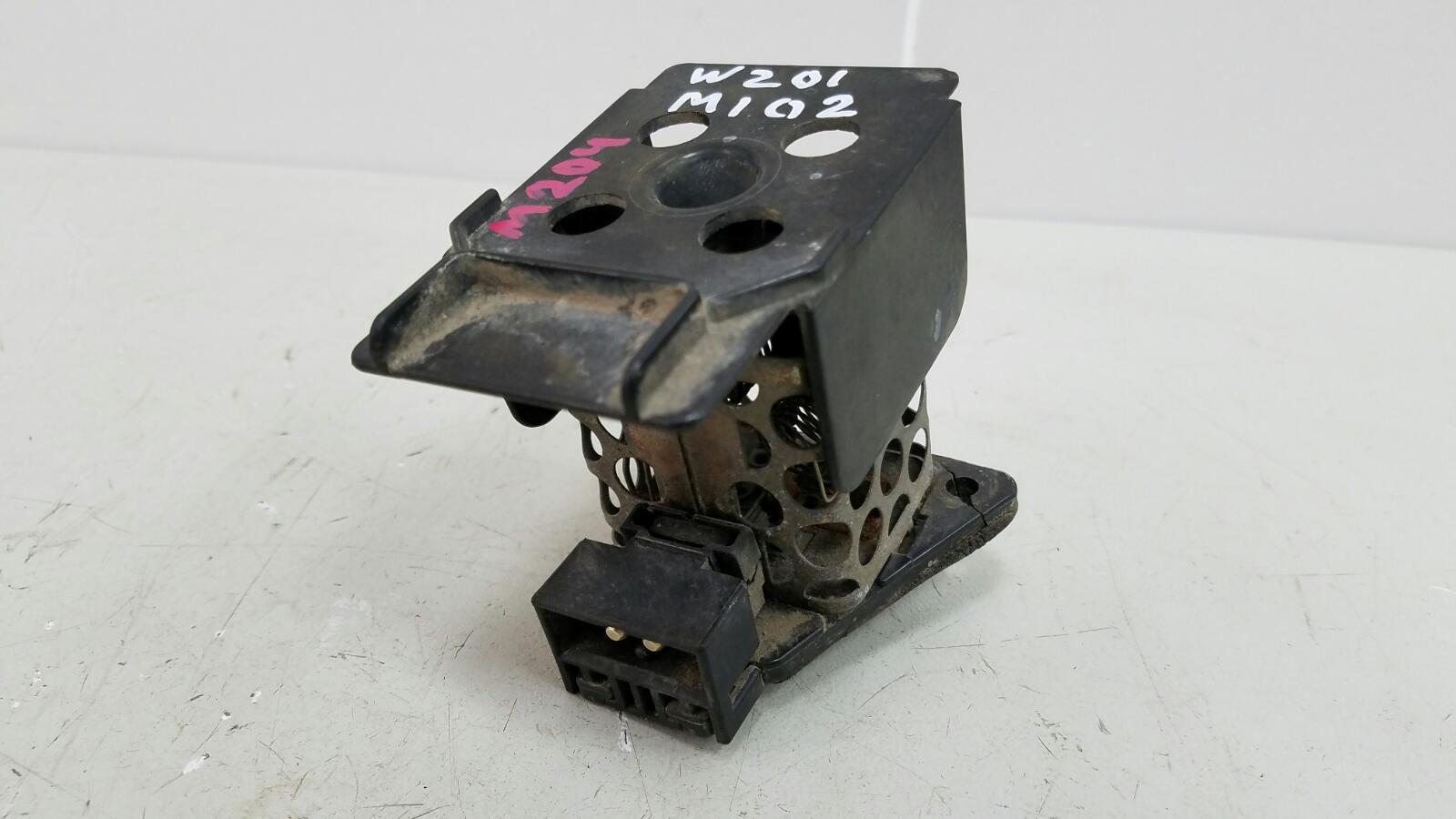 Резистор реостат печки Mercedes A190 W201 M102.961 2.0Л 1984