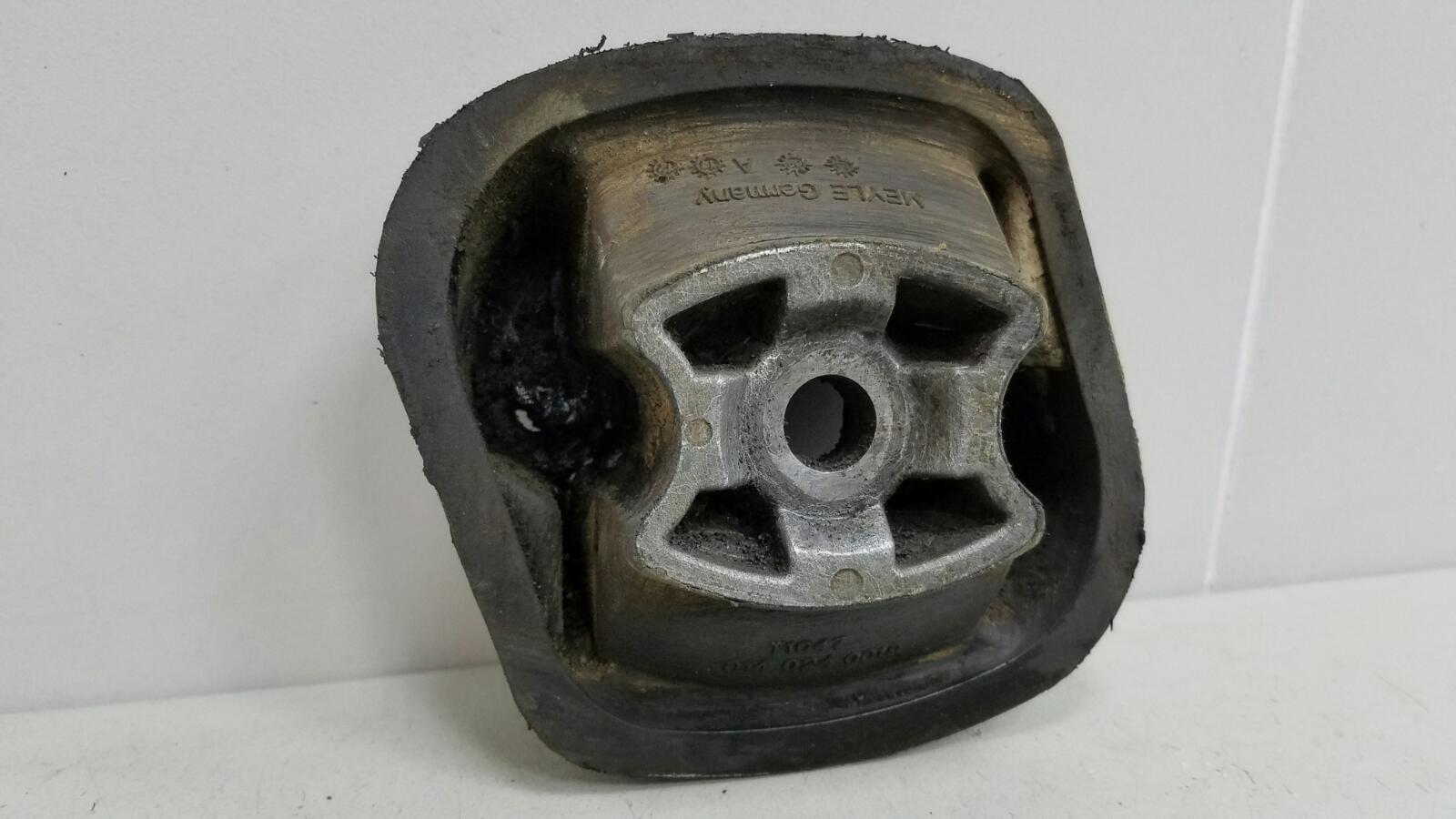 Крепление кронштейн двигателя двс опоры Toyota Prius XW10 1NZ-FXE 1998г