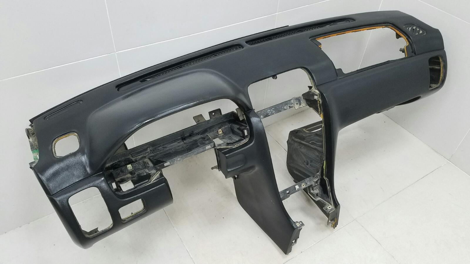 Торпеда панель Nissan Maxima A32 VQ20DE 1997