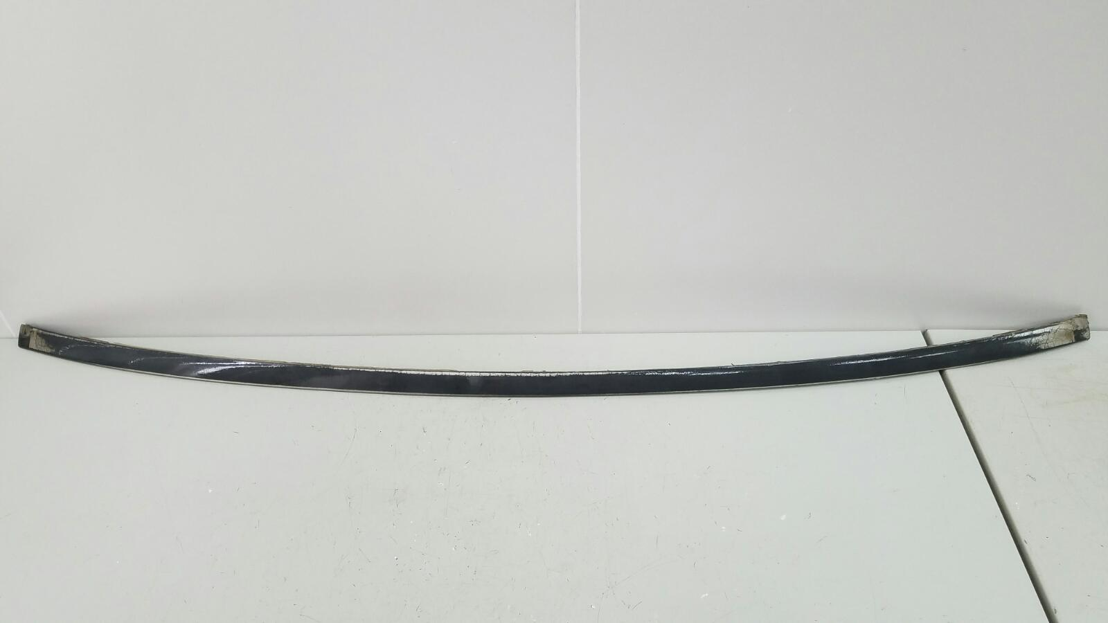 Молдинг лобового стекла Mercedes A190 W201 M102.961 2.0Л 1984