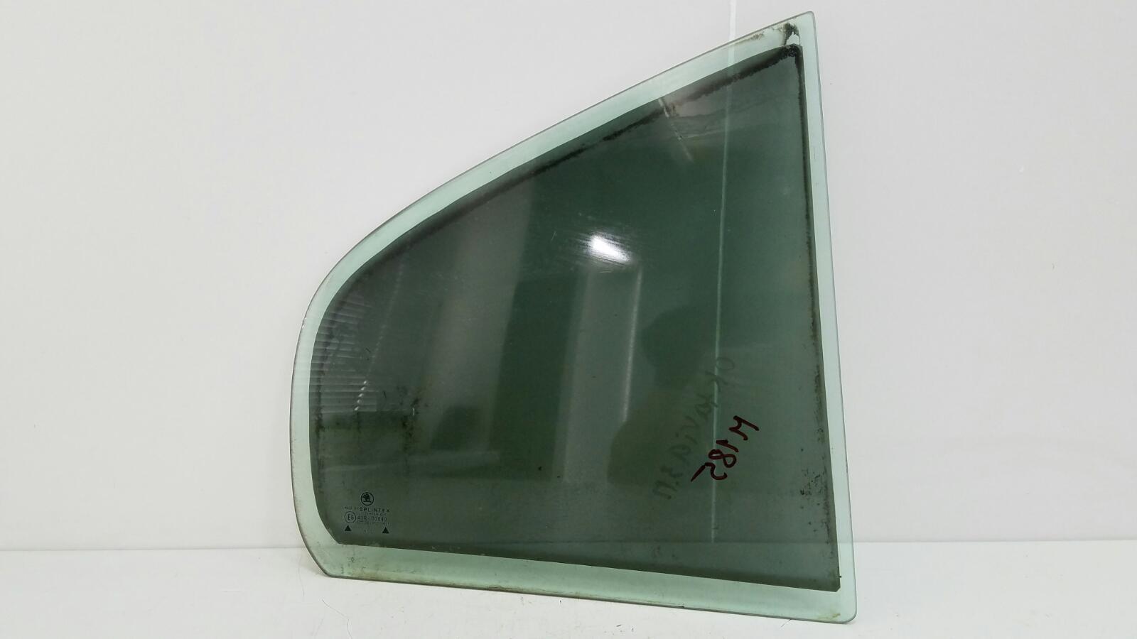 Стекло двери Skoda Octavia 1U2 AKL 1.6Л 2003 заднее правое