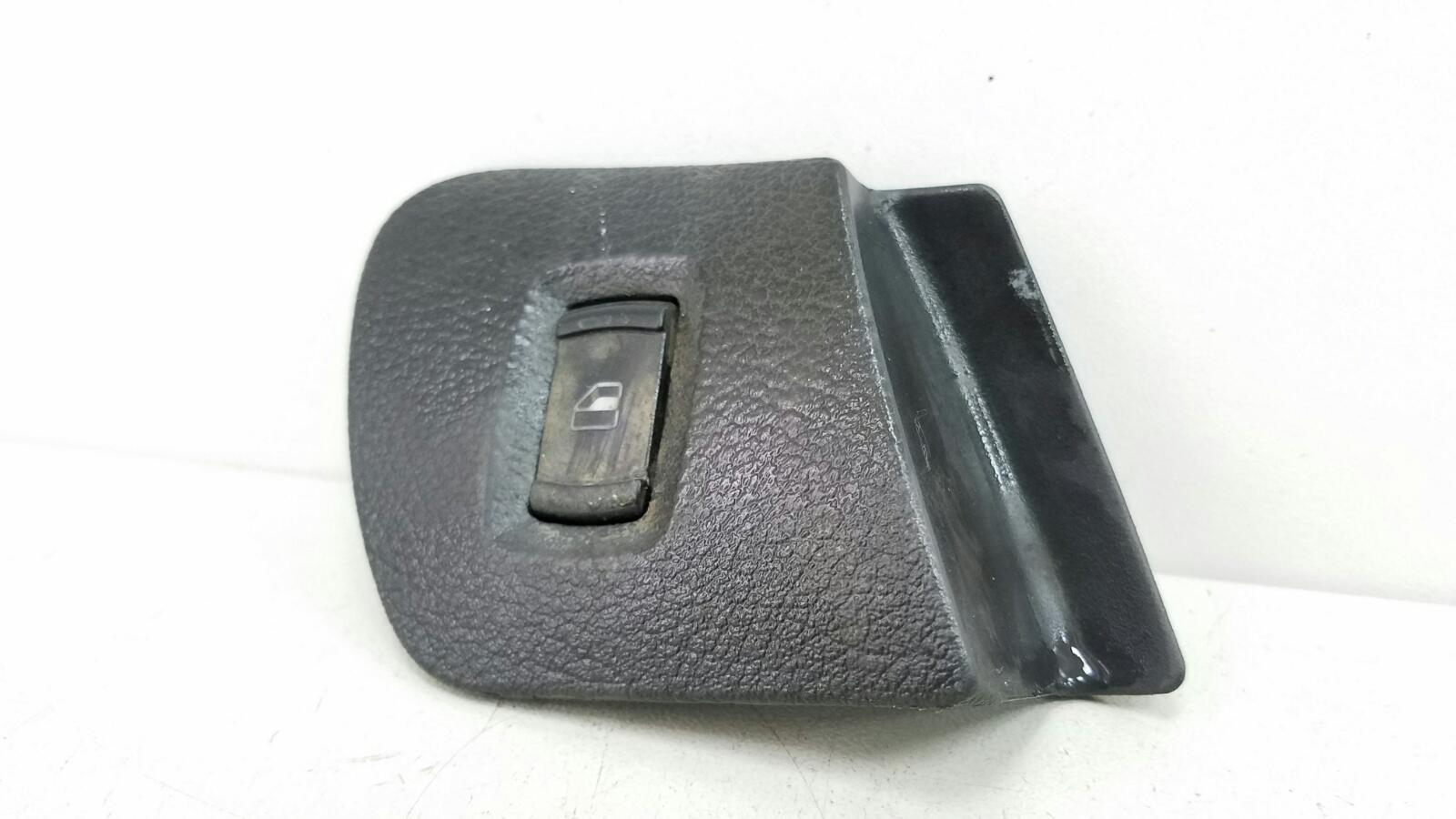 Кнопка стеклоподъемника Skoda Octavia 1U2 AKL 1.6Л 2003 передняя