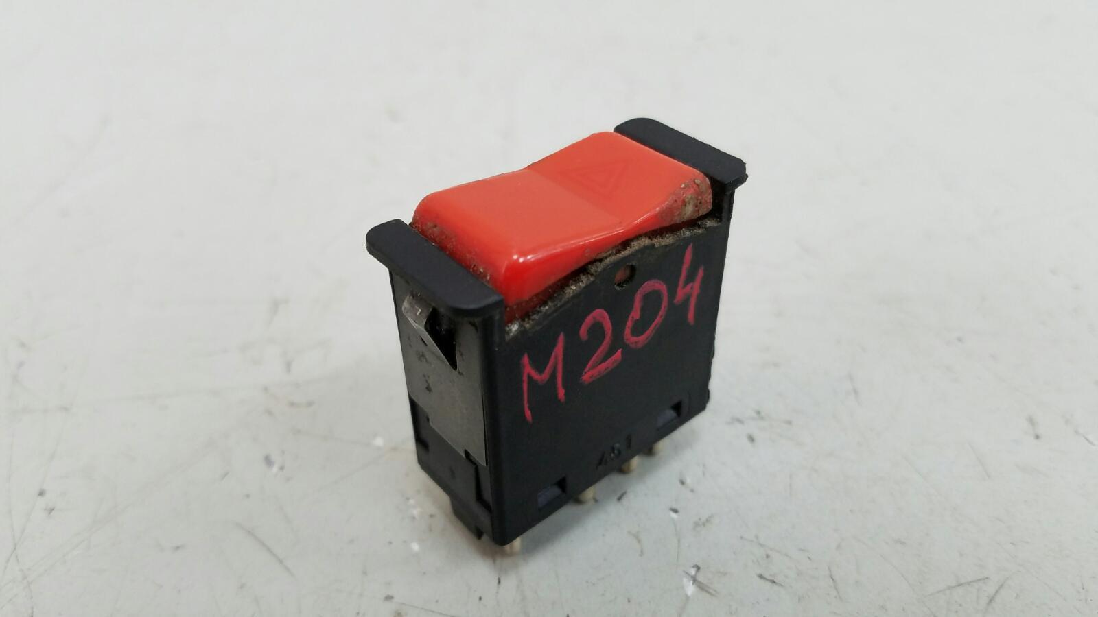 Кнопка аварийного сигнала Mercedes A190 W201 M102.961 2.0Л 1984