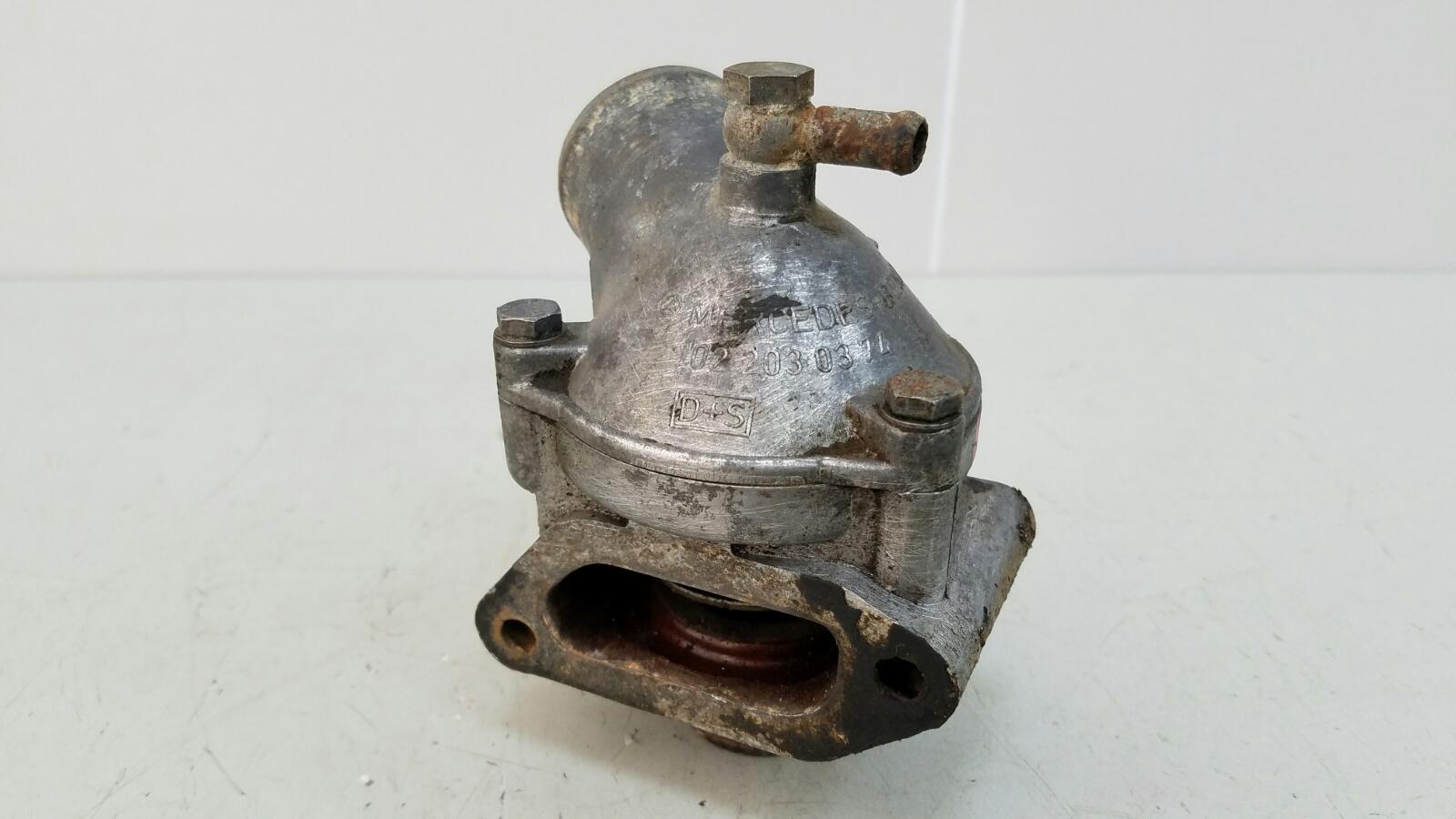 Корпус термостата Mercedes A190 W201 M102.961 2.0Л 1984