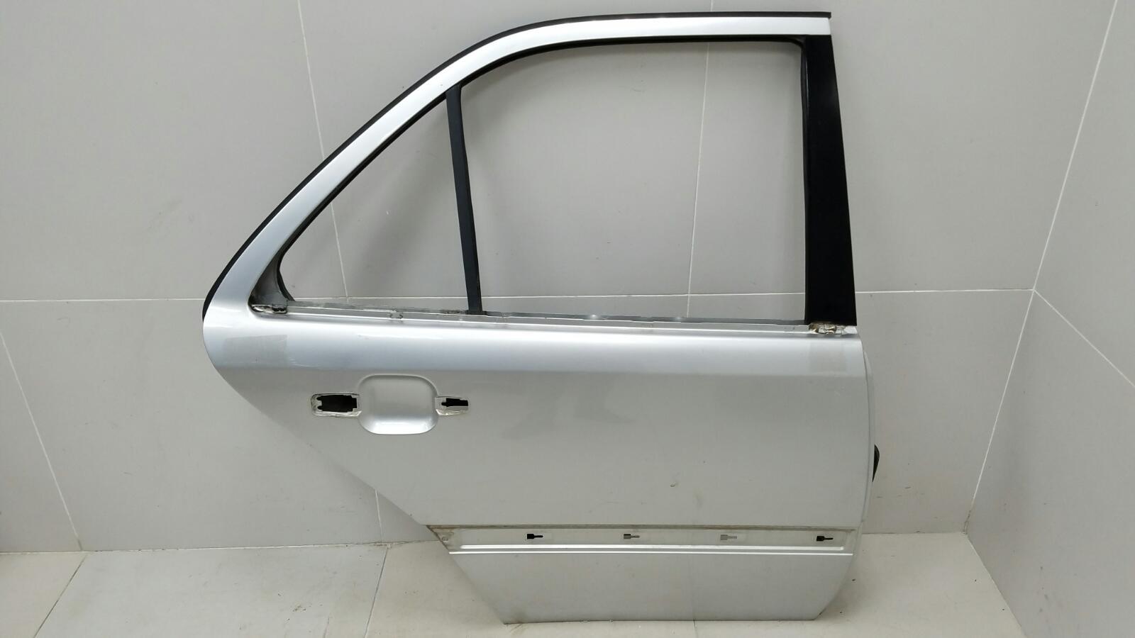 Дверь Mercedes C280 W202 M104.941 1998 задняя правая