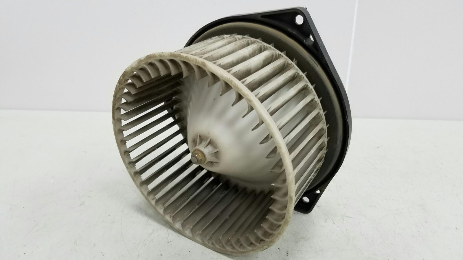 Моторчик печки Nissan Maxima A32 VQ20DE 1997