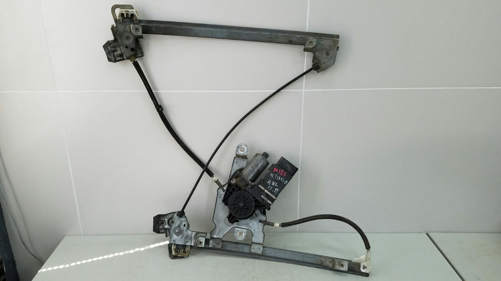 Стеклоподъемник электрический Skoda Octavia 1U2 AKL 1.6Л 2003 передний правый