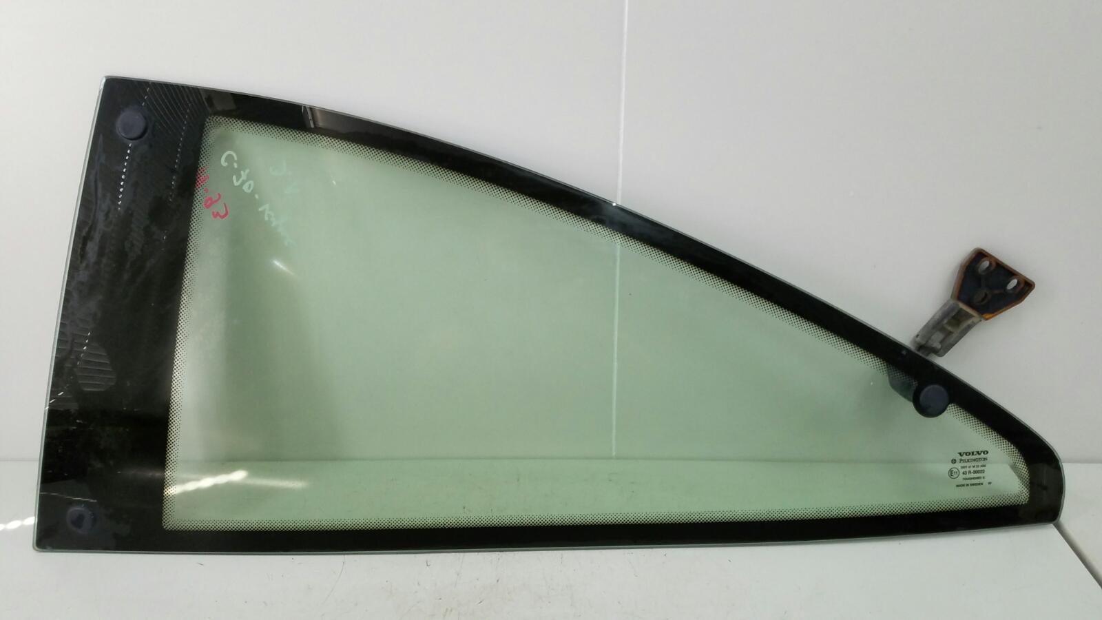 Стекло кузовное глухое Volvo C70 Купэ NK B5234T3 2001г заднее левое