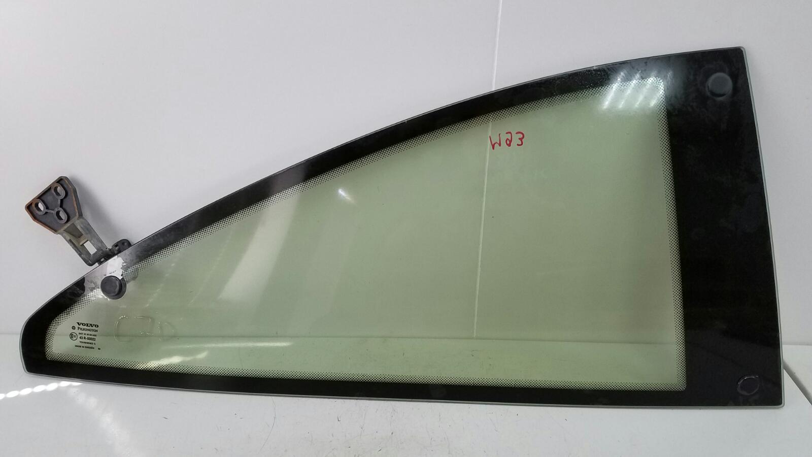 Стекло кузовное глухое Volvo C70 Купэ NK B5234T3 2001г заднее правое