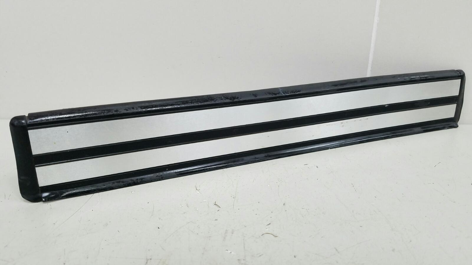 Накладка порога внутренняя Mercedes C280 W202 M104.941 1998 задняя правая