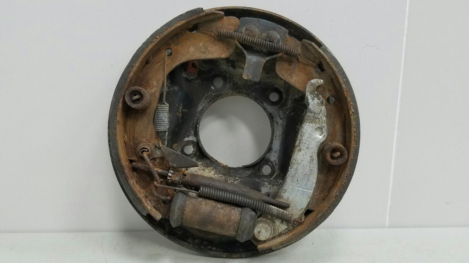 Механизм развода колодок ручника Opel Kadet 16D 1.6Л 1985 задний правый