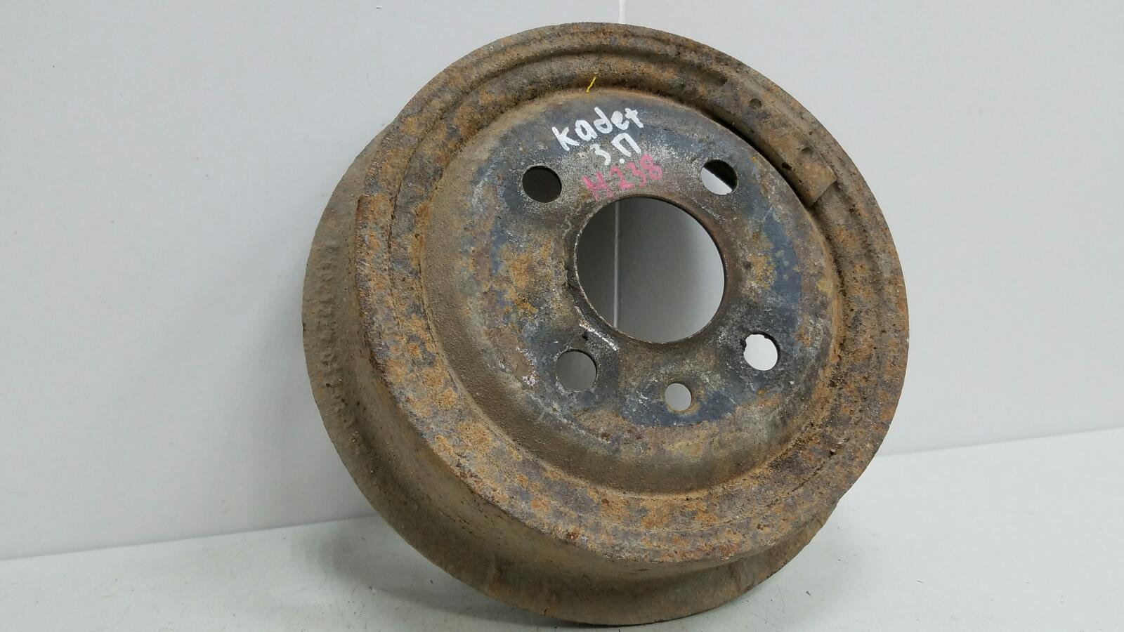 Тормозной барабан Opel Kadet 16D 1.6Л 1985 задний правый