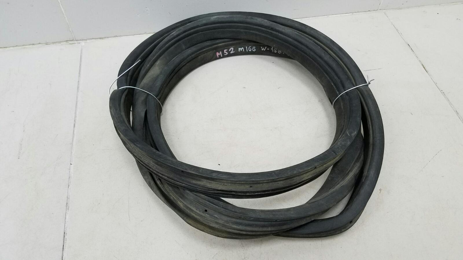 Уплотнительная резинка проема двери Mercedes A190 W168 M166.990 2001 задняя левая