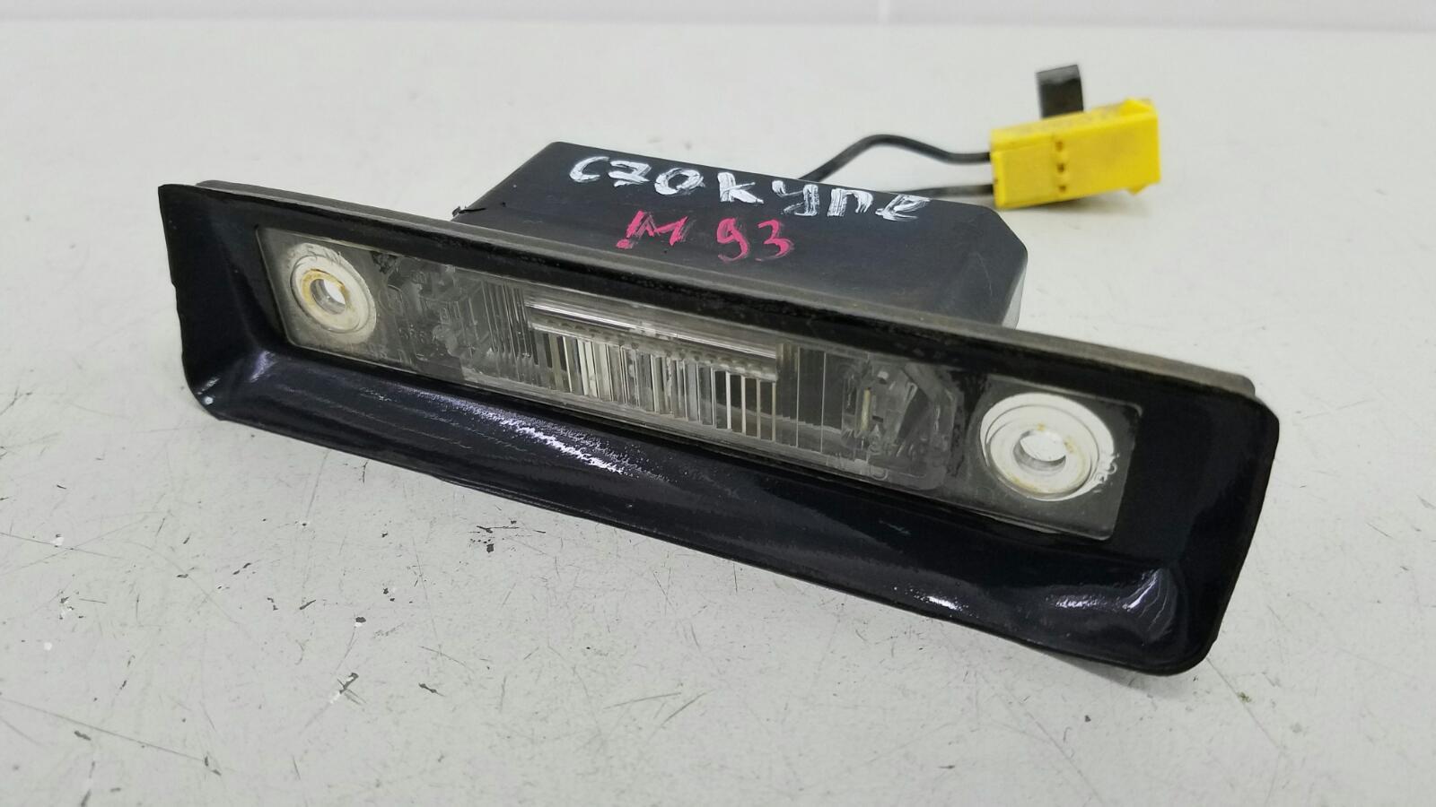 Плафон подсветки заднего номера Volvo C70 Купэ NK B5234T3 2001г