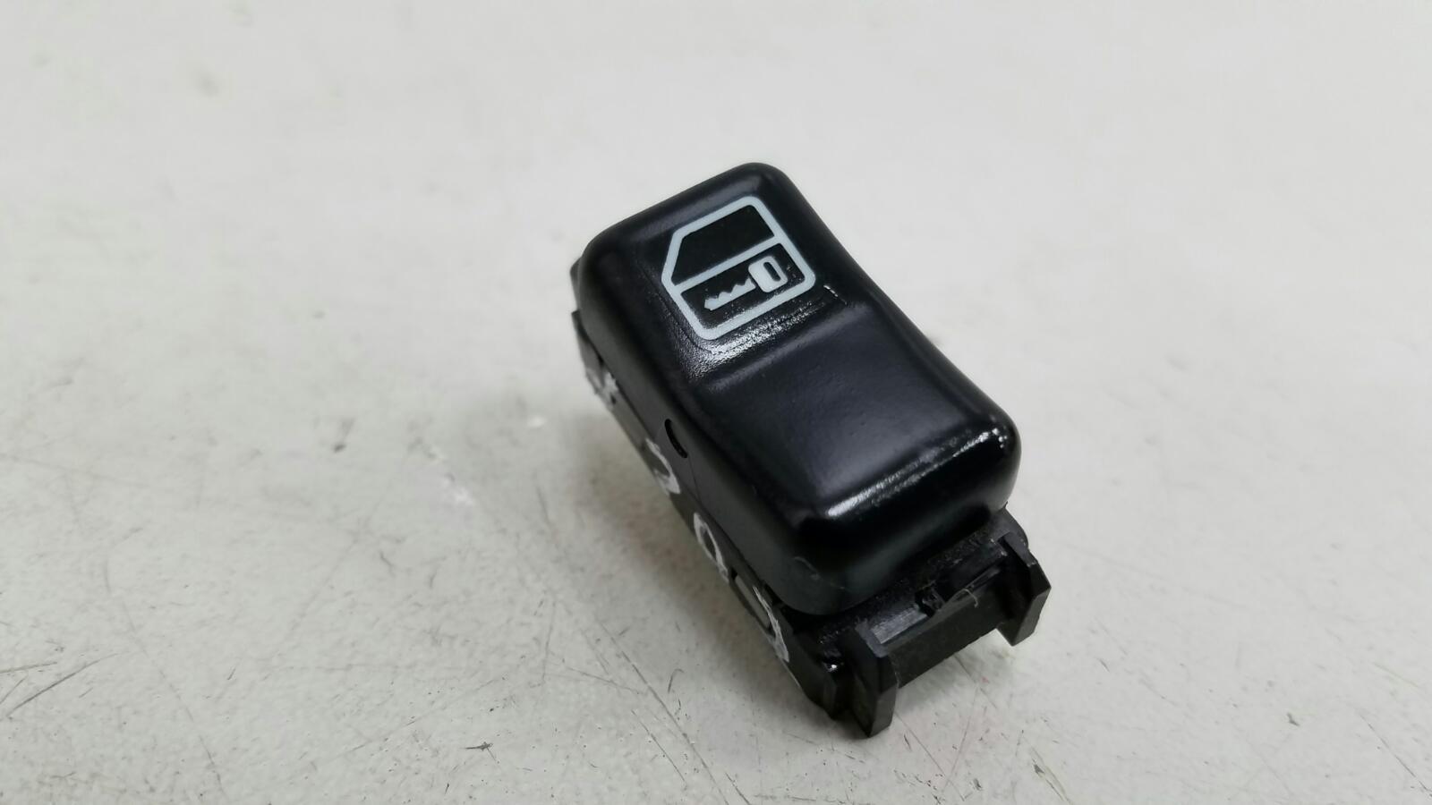 Кнопка asc Mercedes C280 W202 M104.941 1998