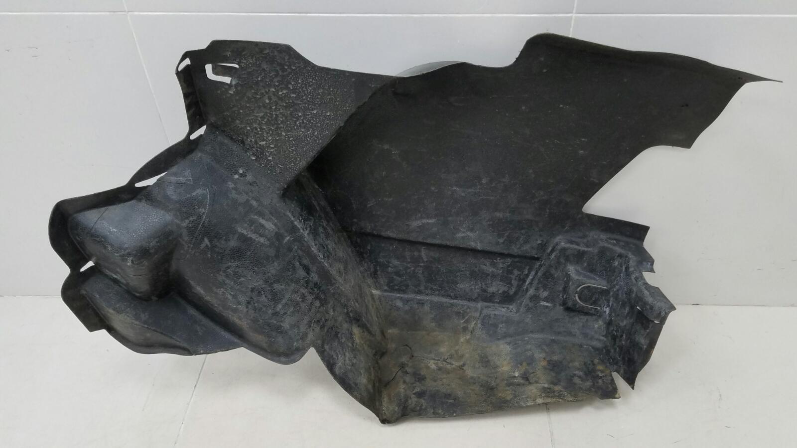 Обшивка багажника Mercedes A190 W201 M102.961 2.0Л 1984 задняя правая