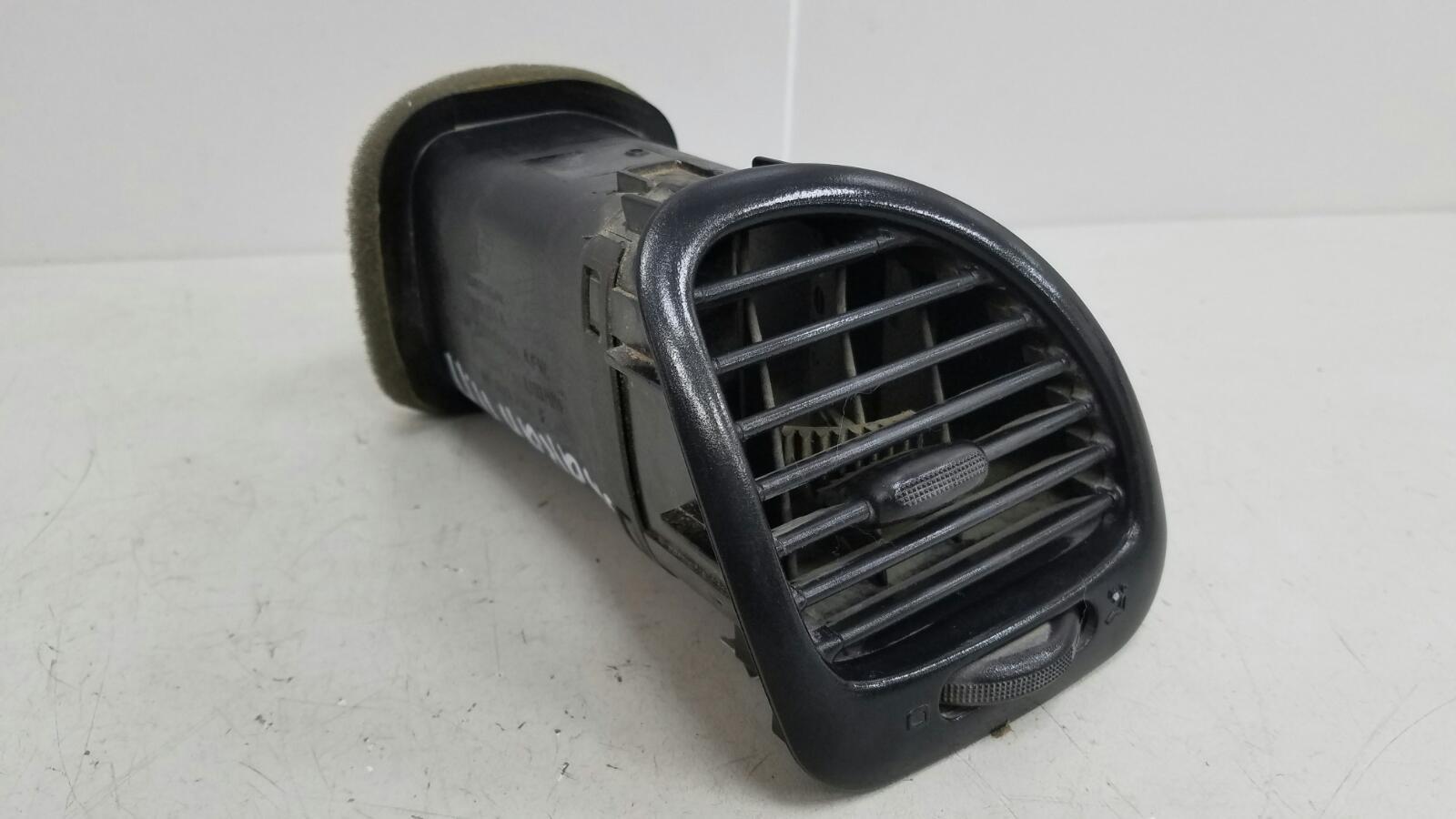 Дефлектор воздушный Volkswagen Sharan 7M8 AMY 1999 передний правый
