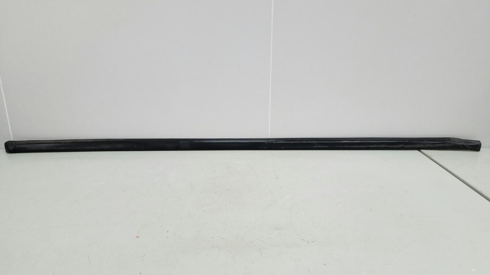 Уплотнительная резинка проема двери Opel Combo C Van Z13DTJ 2008г передняя правая