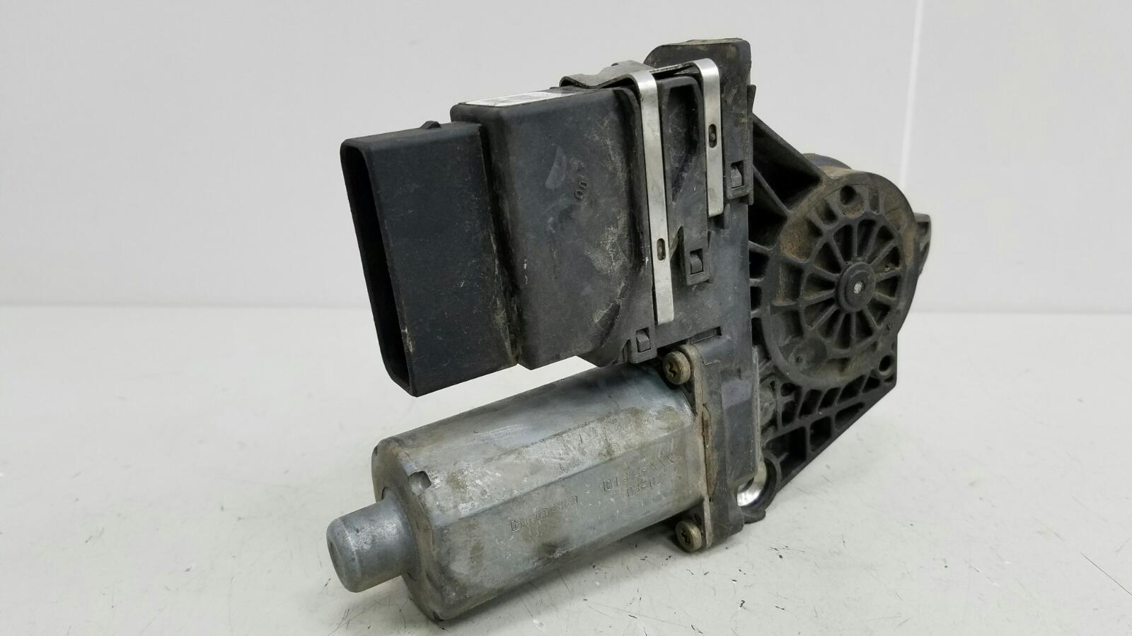 Моторчик стеклоподъемника Skoda Octavia 1U2 AKL 1.6Л 2003 задний правый