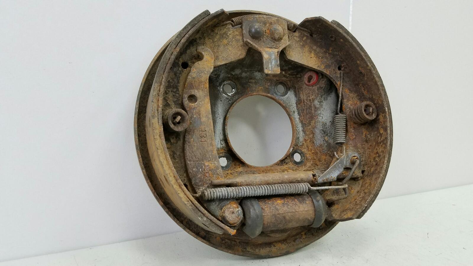 Механизм развода колодок ручника Opel Kadet 16D 1.6Л 1985 задний левый