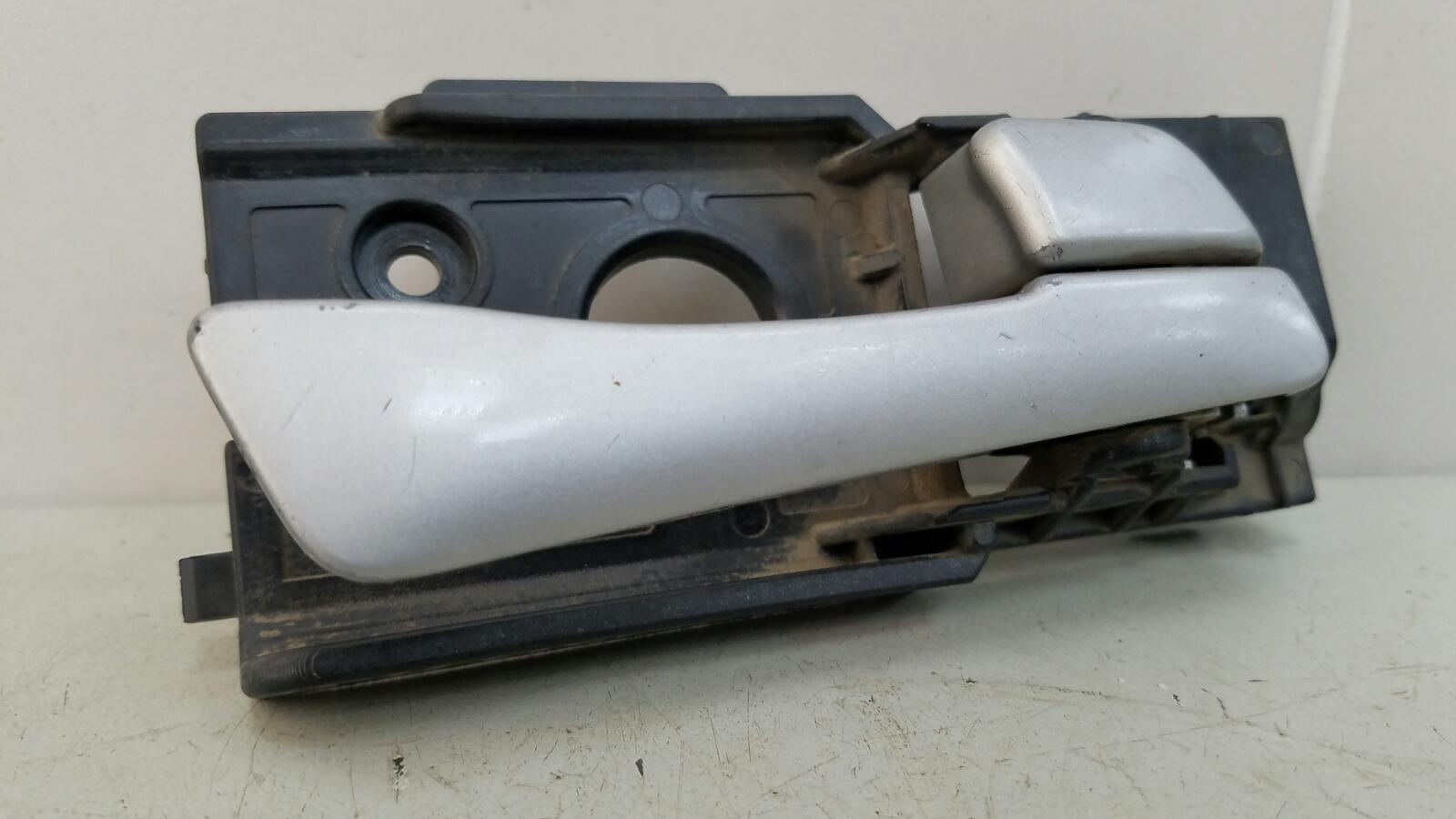 Ручка двери внутренняя Hyundai Solaris RB G4FA 2012 передняя правая