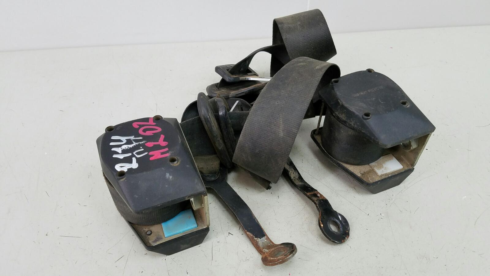 Комплект ремней безопастности Ваз Лада Самара 2 21140 2111 1.5Л 8КЛ 2006 передний