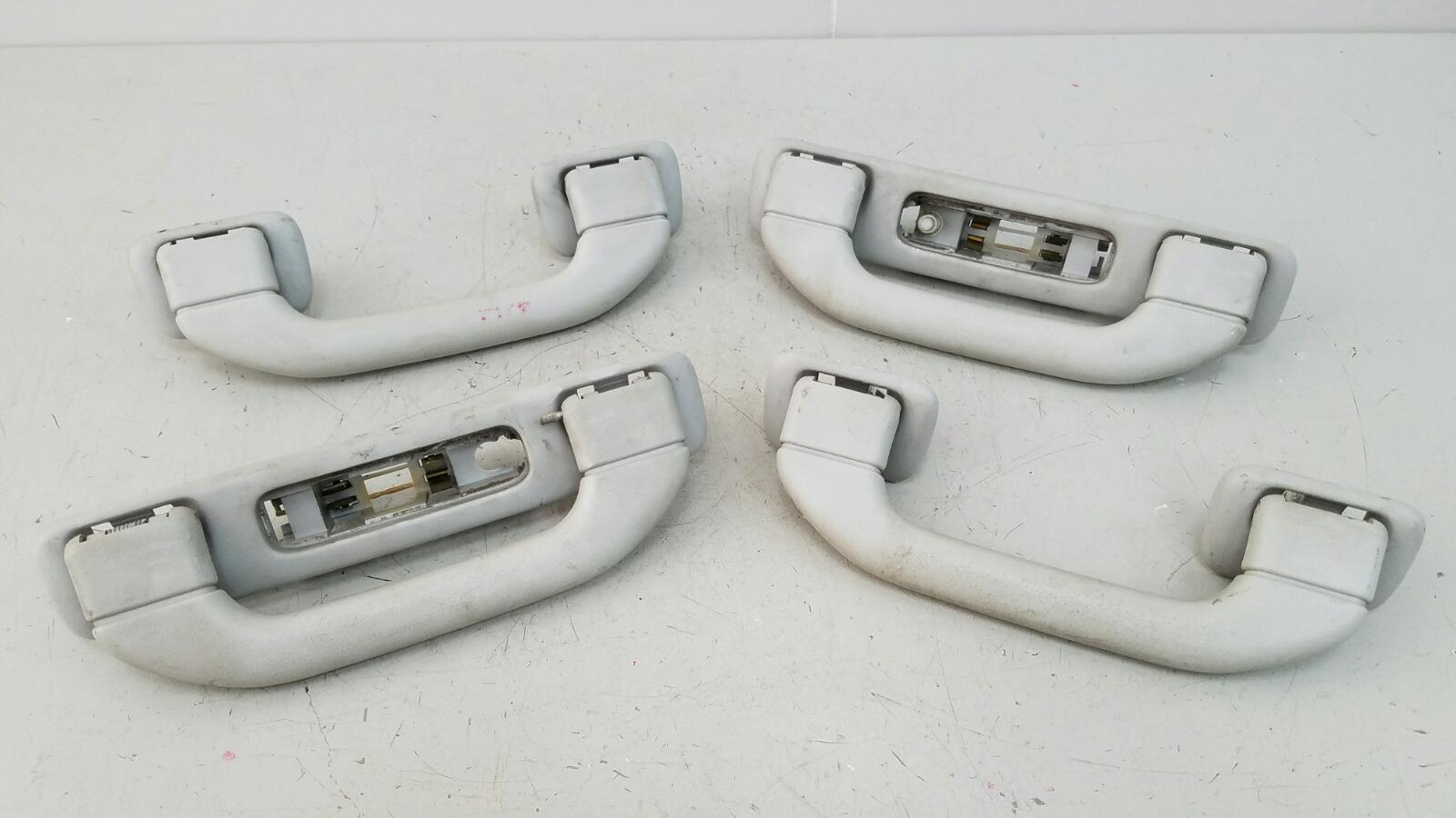 Комплект ручек потолка Mercedes Ml430 W163 M113.942 1999