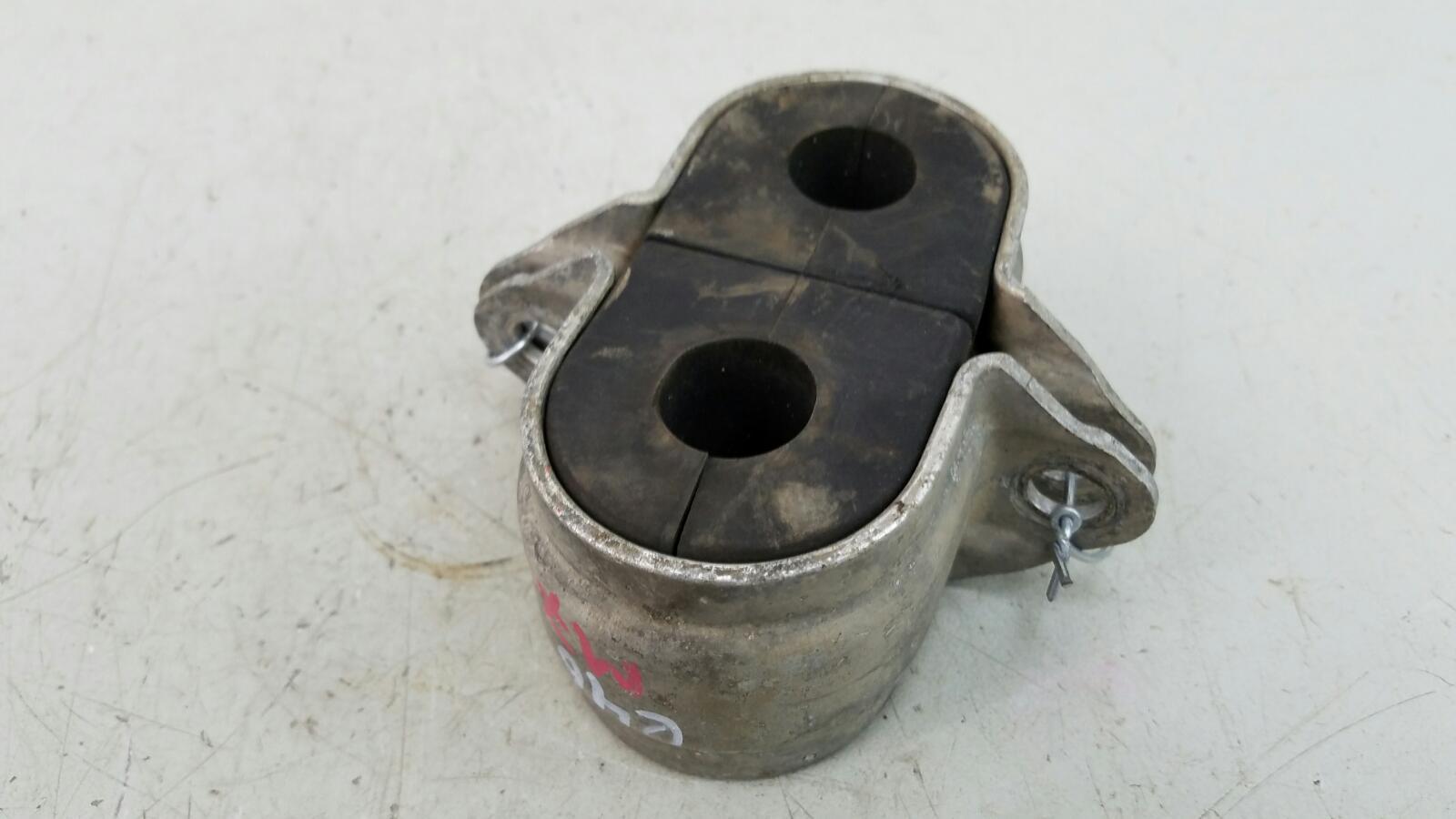 Кронштейн крепления стабилизатора скоба Bmw 320D E46 M47 2000