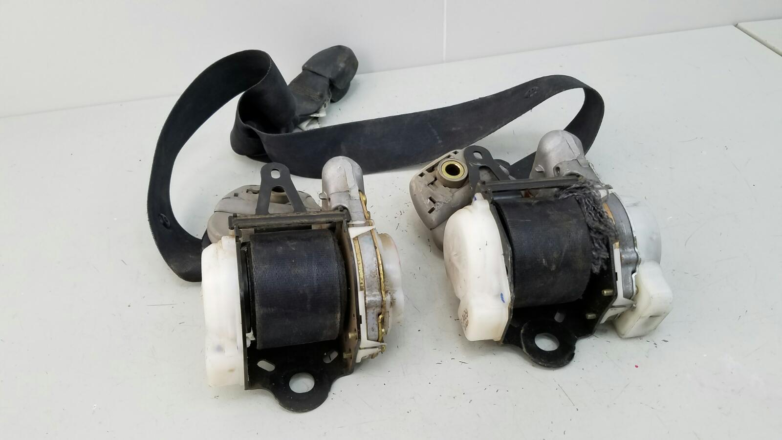 Ремень безопасности с пиропатроном Toyota Caldina T210 3S-FE 2001 передний