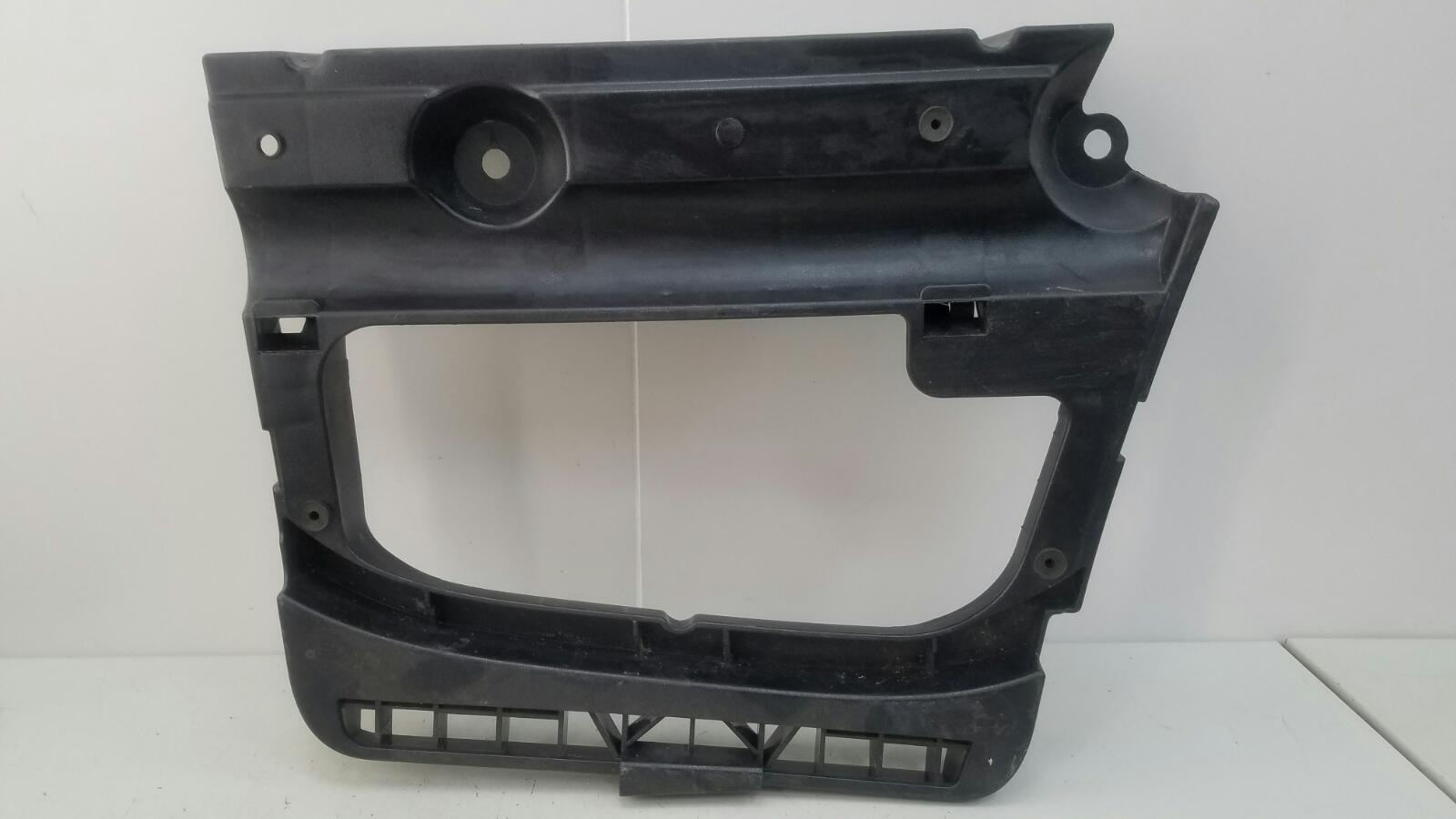Крышка аккумулятора Bmw 320D E46 M47 2000