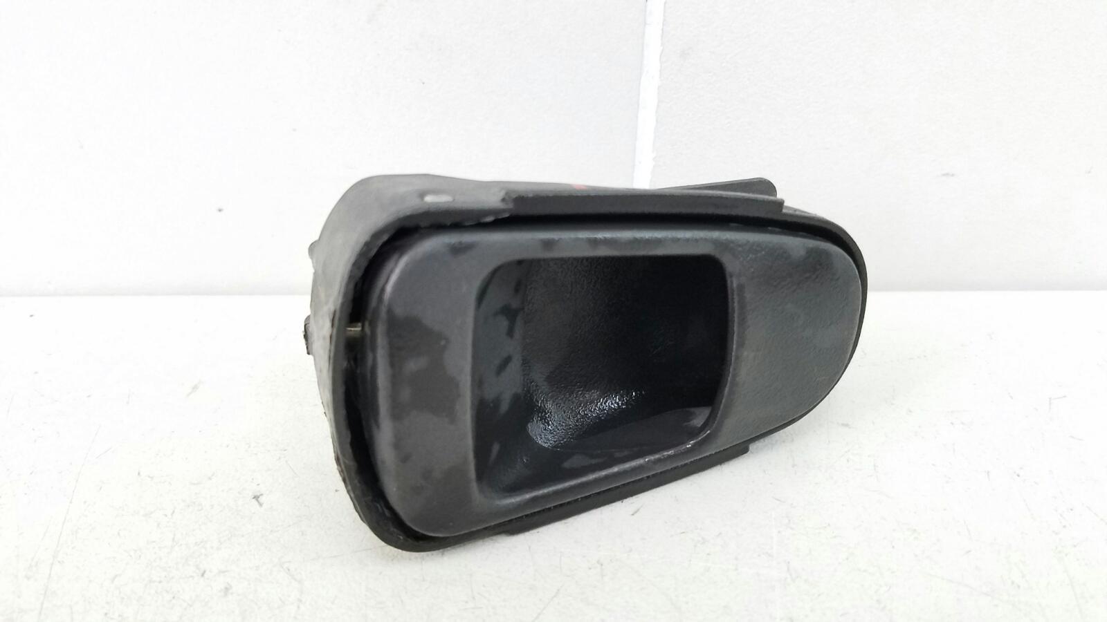 Ручка двери внутренняя Daewoo Nexia N150 A15SMS 1.5Л SOHC 2008 задняя левая
