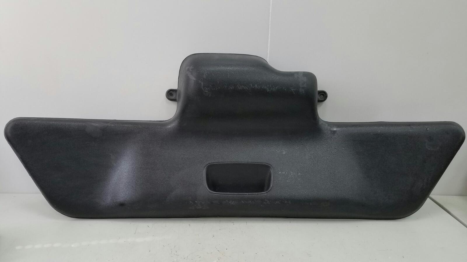 Накладка крышки багажника Rover 200 RF 14K4F 1999