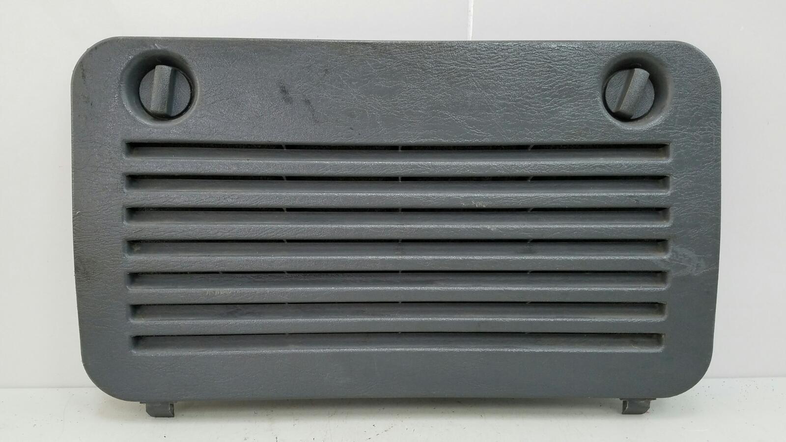 Заглушка панели багажника Mercedes Ml430 W163 M113.942 1999