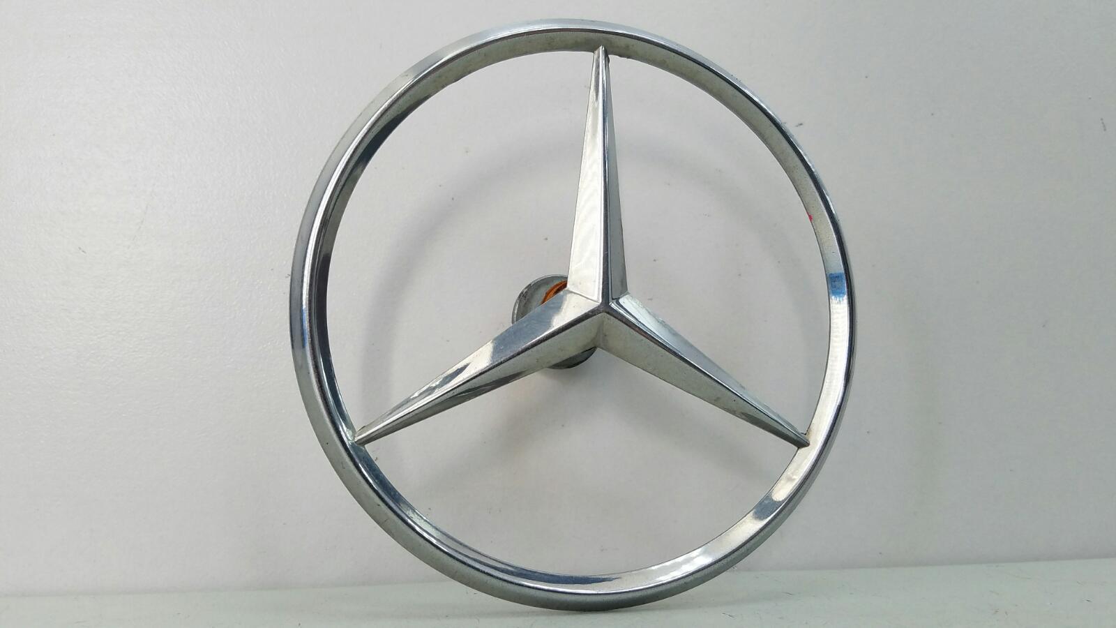 Эмблема Mercedes S280 W126 M110.989 2 1983