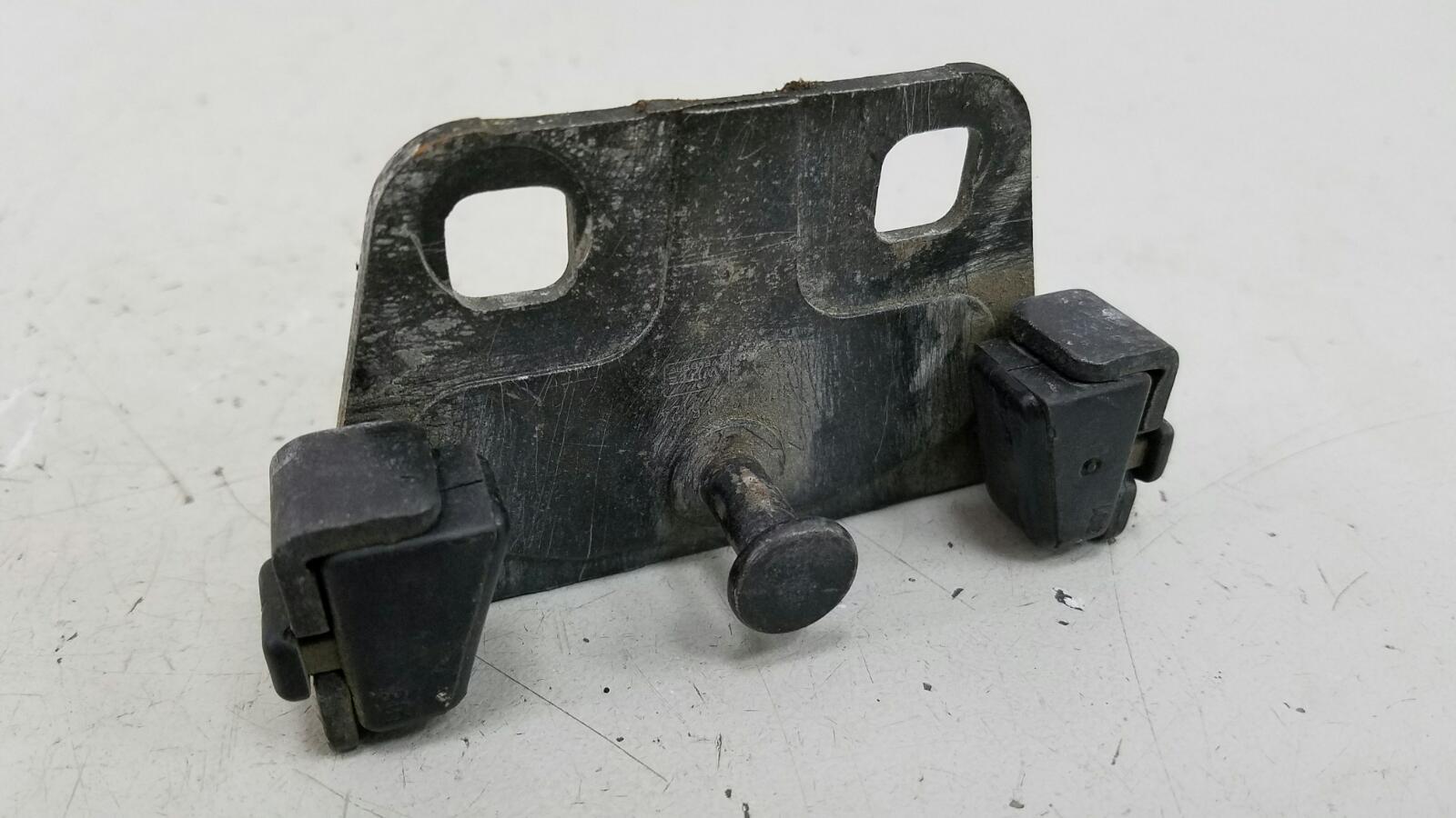 Ответная часть замка багажника Bmw 5 E39 M52 1998