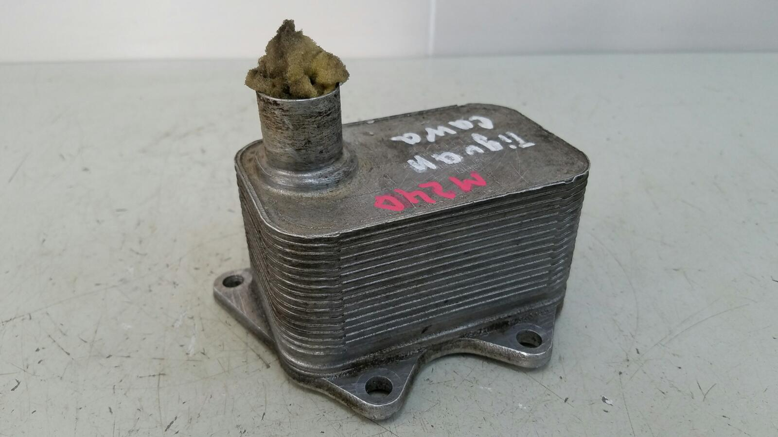 Теплообменник масляный радиатор Volkswagen Tiguan 5N1 CAWA 2.0Л TSI 4MOTION 2013