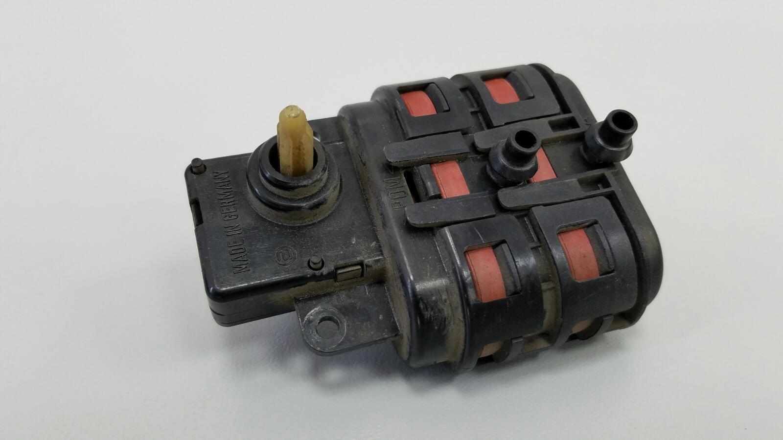 Моторчик заслонки печки Mercedes E230 W210 M111.970 1995
