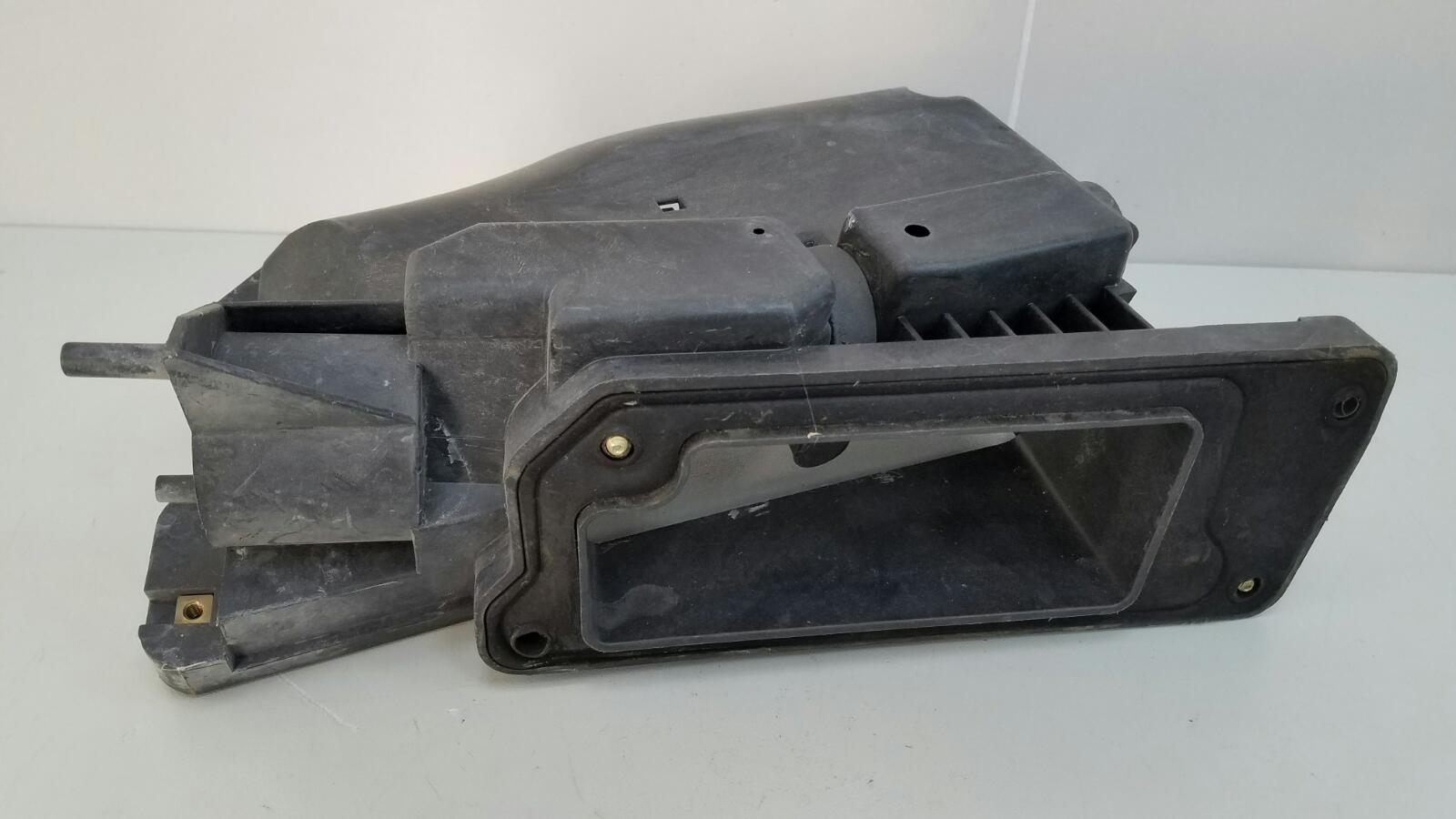 Корпус блока предохранителей Mercedes E230 W210 M111.970 1995