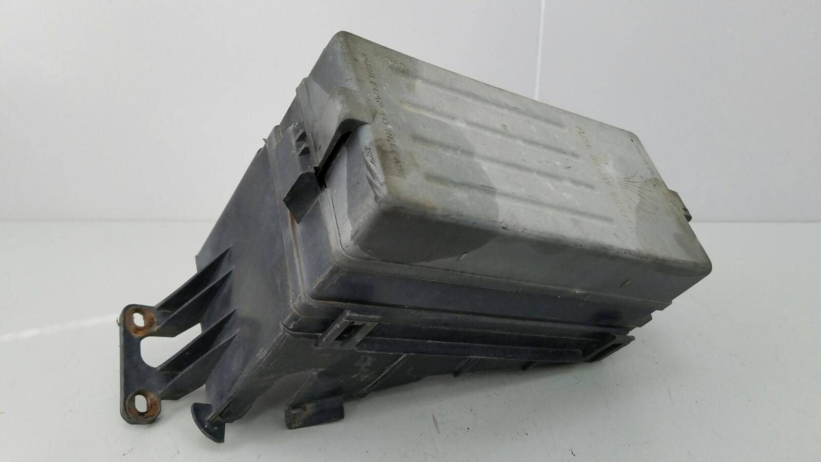 Блок предохранителей Daewoo Leganza C20SED 2.0Л 1998