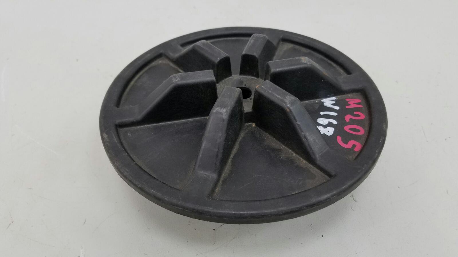 Болт крепления запасного колеса Mercedes A140 W168 M166.940 1.4Л 1999г